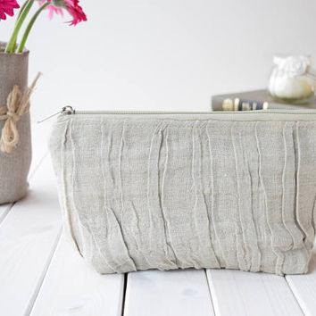Pleated Linen Cosmetic Bag, Rustic cosmetic bags, Make Up Bag, Pouch, Purse, Bridesmaids gift, Bridesmaid Makeup Pouch, Wedding Gift, Beige