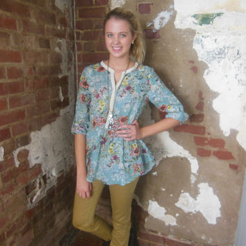 Umgee Seafoam Fit & Flare Floral Tunic