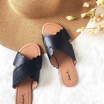 Spring Scallop Slide Sandals in Black