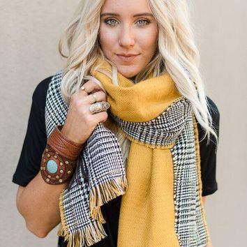 Reversible Houndstooth Scarf - Mustard