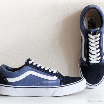 Vintage Vans Old Skool sneakers, navy blue canvas and suede skate shoes with white details, size eu 40 (US men's 7.5, US wmns 9, UK 6.5)