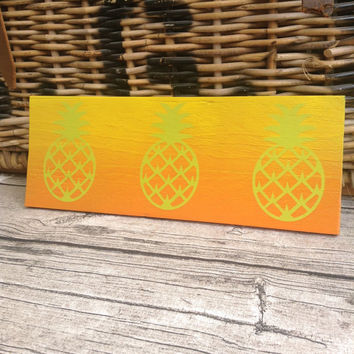 Pineapple painted sign. Orange Green and Yellow painted sign. painted hello sign. Reclaimed wood Pineapple sign. Custom orders are welcome.