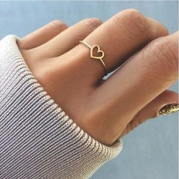 Simple peach heart ring,Ring support for women,Contracted ring support,Punk ring for women and girls,1 pcs