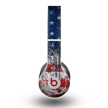 The Grungy American Flag Skin for the Beats by Dre Original Solo-Solo HD Headphones