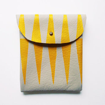 LEATHER POUCH // beige leather with yellow tribal print