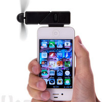 iPhone Fan Attachment: Turn your iPhone or iPod Touch into a fan.
