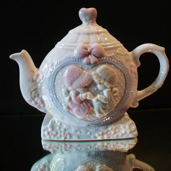 Vintage Precious Moments Napkin Holder Teapot Enesco 1993 Tea Party Kitchen Home Decor