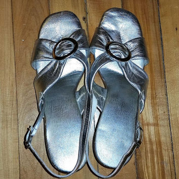 SALE Sexy Silver METALLIC Slingback Sandals MOD 60s Vintage Lame Shoes Atomic Space Age Chunky Heels 1960s Glam Mad Men Fashion Size 8.5 Buc