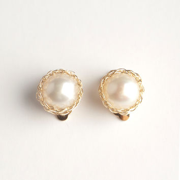 Gold Pearl clip on earring , Wire crochet earrings