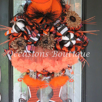 XL Halloween Wreath, Wicked Witch Wreath, Halloween Decoration, Fall Wreath, Door Hanger, Front Door Wreaths, Pre-Order