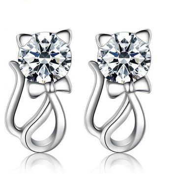 ONETOW 925 Sterling Silver  Zirconia  Cat Stud Earrings