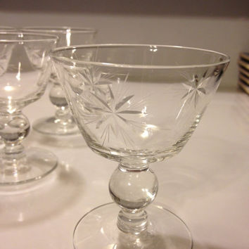 Cut Crystal Cordial Glasses Stemmed Aperitif Set of Four Vintage Stunning Atomic Starburst