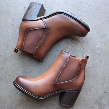 tan vegan leather chelsea boots