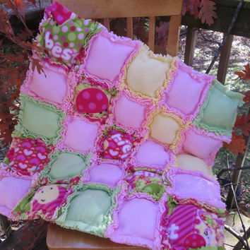 Puff Quilt, Bubble Quilt, Biscuit Quilt - Handmade Fleece Puff Rag Baby or Crib Quilt in Green, Yellow, Pink