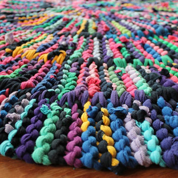 T Shirt Rag Rug Rainbow Circular Log Cabin Rustic Shabby Cottage Chic Navy Blue Pink Yellow Green Purple 43 in Diameter-US Shipping Included