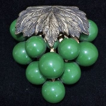 Art Deco Green Grapes Dress Clip, Fruit Brooch Pin, Gold Tone Leaves, Etched Clasp 818m