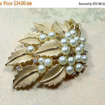 Vintage Trifari Gold Pearl Rhinestone Brooch Crown Trifari Brushed Gold Leaves Adorned with Luminous White Pearls Excellent Condition