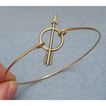 Arrow Bangle Bracelet Style 2 by turquoisecity on Etsy