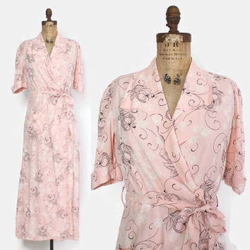 Vintage 40s DRESSING GOWN / 1940s Novelty Ballerina Flower Print Rayon Belted Robe