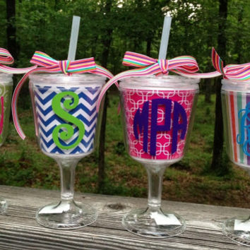 Monogrammed Acrylic Wine Glass with Lid and Straw