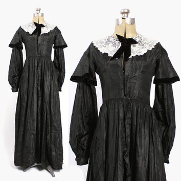 1800s Victorian Silk DRESS / Vintage 1890s Black Silk Taffeta Crochet Collar Day Dress S