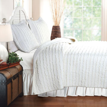 Ruffled White Quilt King Size With 2 Shams