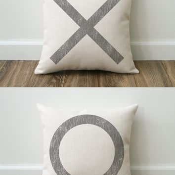 XO Farmhouse Pillow