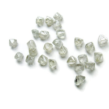 7/8 of a carat, White Octahedron shaped uncut diamond, rough diamond, raw diamond (4.75 mm)