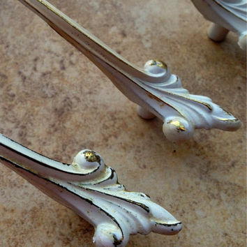 French Provincial Brass & White Pull /Decorative Hardware for Furniture / Salvaged Gold Pull / Vintage White Leaf Pull
