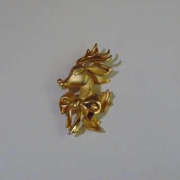 Vintage Gold tone Reindeer head with bow Brooch Pin Lapel