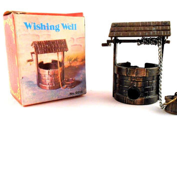 Old Fashioned Metal Brass Min Pencil Sharpener Wishing Well & Bucket No 6015