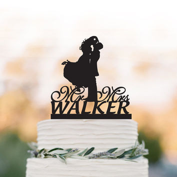 Personalized Wedding Cake topper with dog, Wedding cake topper mr and mrs.Bride and groom silhouette funny cake topper