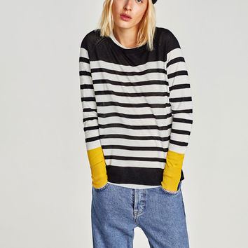 CONTRAST STRIPED SWEATER DETAILS