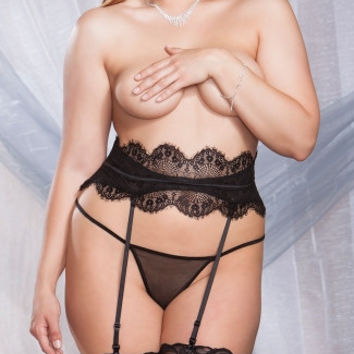 Plus Size Black Eyelash Lace Garter Belt