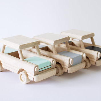 Wooden car toy (custom colour choice) - Wooden toys - Gift for toddlers - Christmas gift for kids - Natural handmade toy