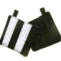 Black and Grey Modern Pot Holders
