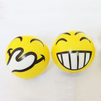 5pcs/Set Anti Stress Smiley Face Reliever Ball Autism Mood Squeeze Relief Hand Massage Tool FM0578