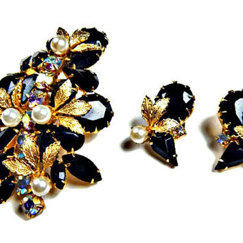D & E Juliana Black Rhinestone Brooch and  Earrings Set With Pearls Gold Tone Leaves Overlay