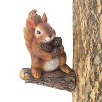 Garden Decor-Gathering Squirrel