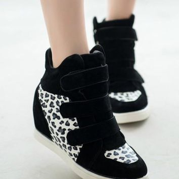 Black Round Toe Leopard Lace-up Fashion Cloth Shoes