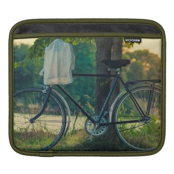 Vintage Countryside Bicycle iPad Sleeve