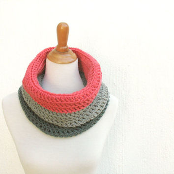 Color Block Skinny Cowl Scarf, Salmon Infinity Scarf, Coral Cowl, Pink/Grey/Dark grey crochet scarf, gift for her, Salmon snood handmade