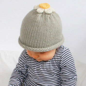 Hand Knitted Daisy Hat Newborn  03M by beliz82 on Etsy