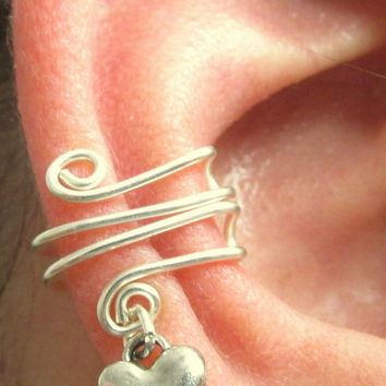 Ear Cuff, Heart Ear Cuff, Ear Wrap, Heart Ear Wrap, Cartilage Cuff, Helix Accessory, No Pierce Jewelry, Pierceless Earring, Keloid Earring