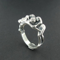 Silver Lover's Kiss Ring