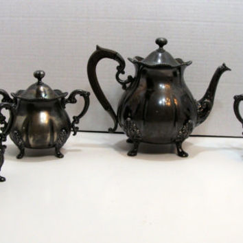 Antique Rockford Silver Plate Company Quadruple Plate Tea Pot with Wood Handle Creamer Sugar Spooner Set