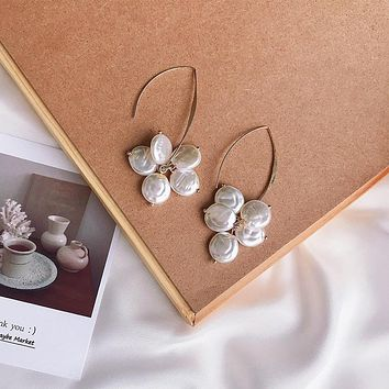 Korea's new high-end French-style earrings