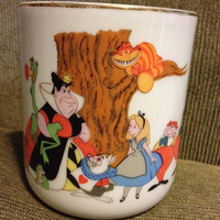 Beautiful ALICE IN WONDERLAND mug by Walt Disney