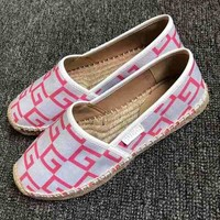 Gucci Dual G V-pattern flat-soled straw-woven pink fisherman's shoes and slippers