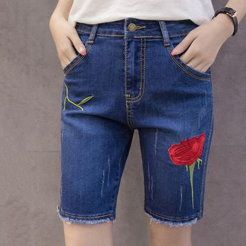 Flower Embroidery Summer Short Jeans Fashion Burr Ladies Shorts Casual Large Sizes Denim Shorts for Women Worn Bermuda Feminina